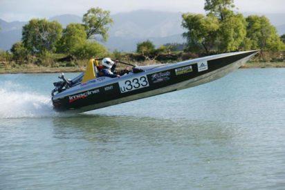 VH45 Turbo marathon boat take off